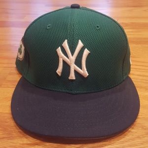 NY Yankees Fitted Cap ☘